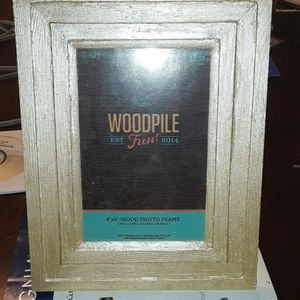 4x6 gold wooden picture frame